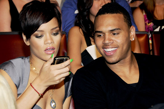 rihanna-chris-brown-15835642
